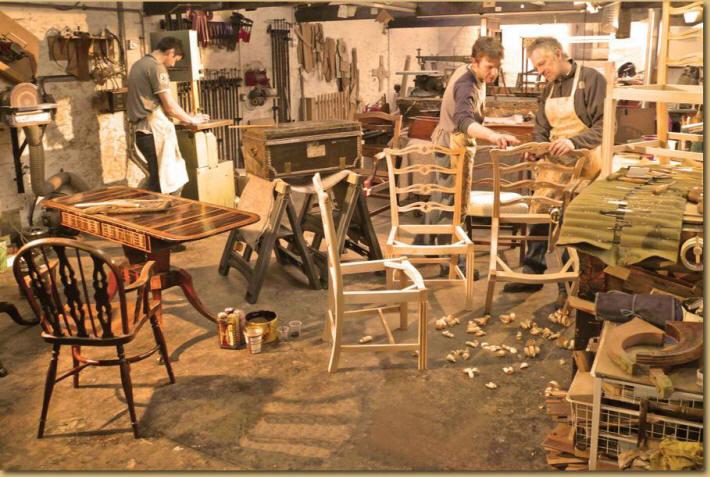 Профессиональный ремонт мебели