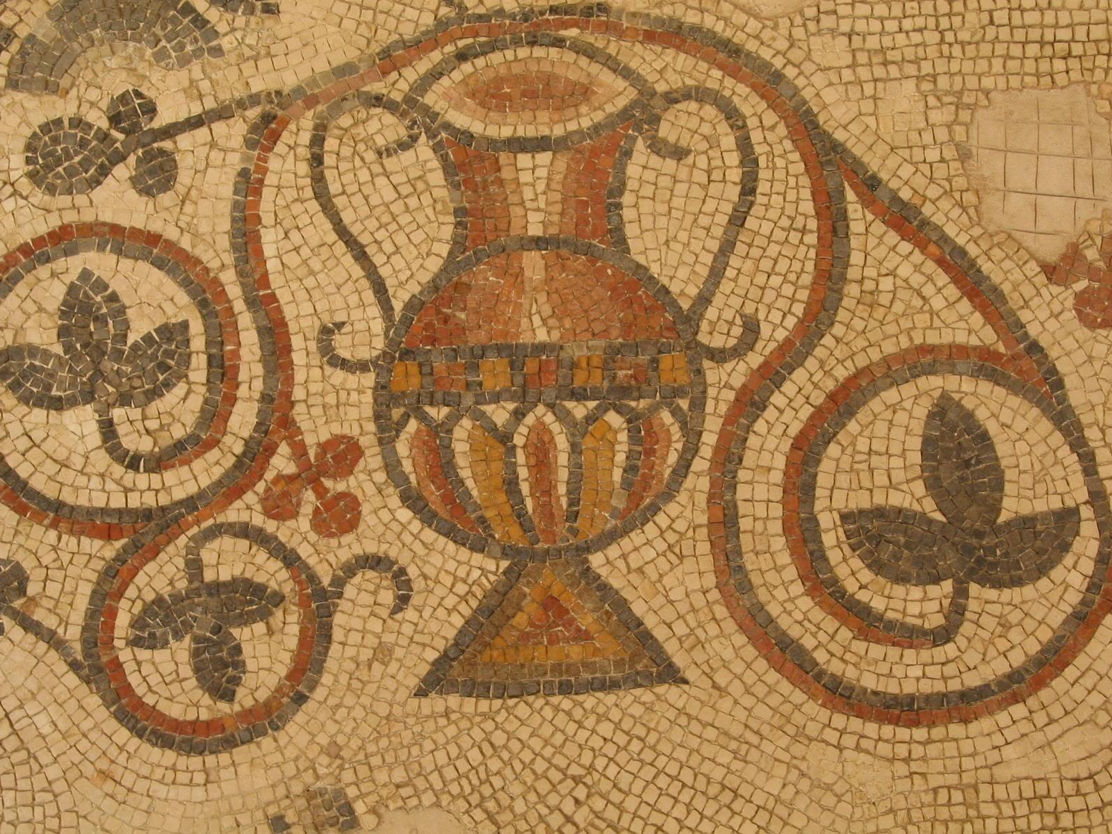 Материалы для отделки: декоративная мозаика смальта