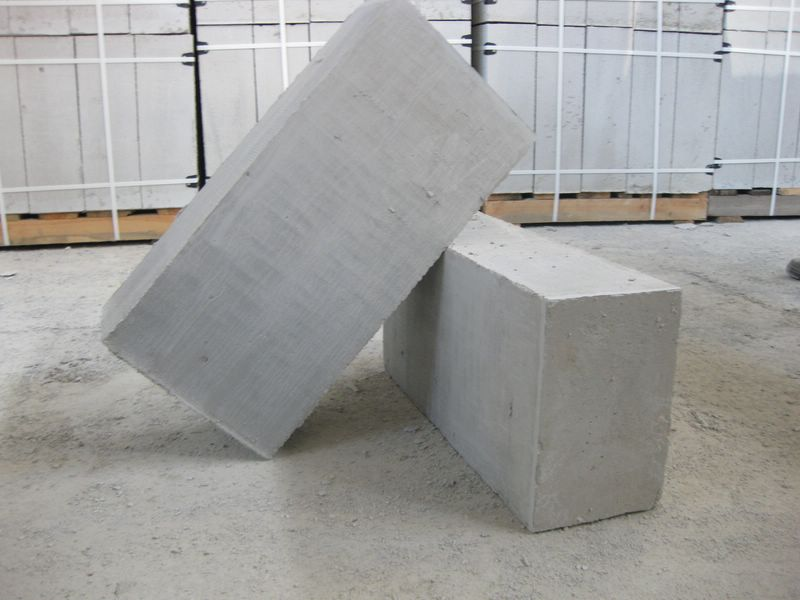 Строительные блоки для возведения наружных стен