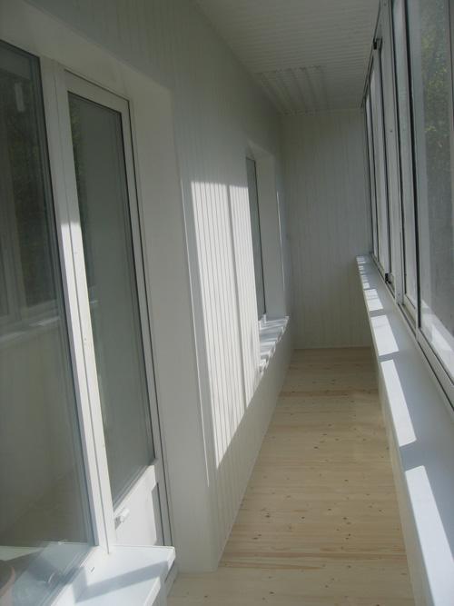 Крыша на балкон – актуально и своевременно