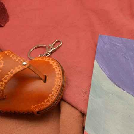 Купить Брелок для ключей / Футляр для ключей. Коллекция Infatti (коричневый; нат. кожа)