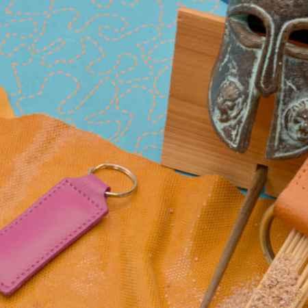 Купить Брелок для ключей. Коллекция Amelie (Розовый; нат. кожа)