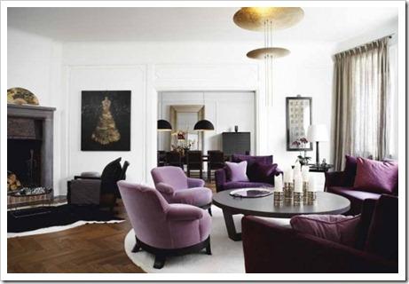 Общая цветовая палитра комнаты и мягкая мебель