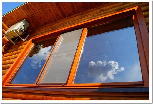 Защита окна от ультрафиолетового излучения