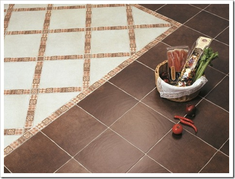 Монтаж плитки на пол в ванной