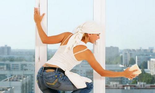 Мытье профиля окна ПВХ