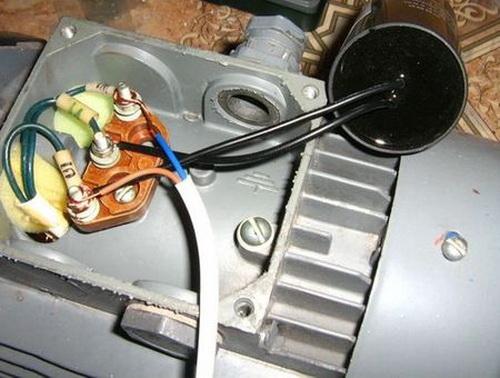 Подключаем электродвигатель