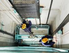 Как выполняют обслуживание лифтов