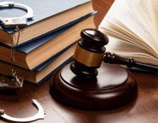 Как правильно выбрать адвоката по уголовным делам
